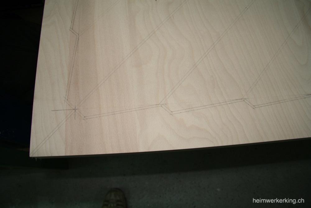 Geplantes muster für den Tisch aufgezeichnet
